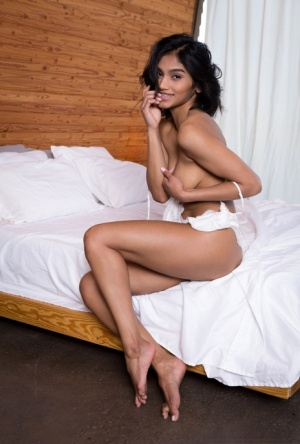 Babe naked indian Pics of